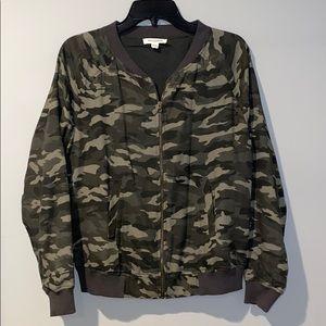 🖤 Camo lightweight zip up jacket